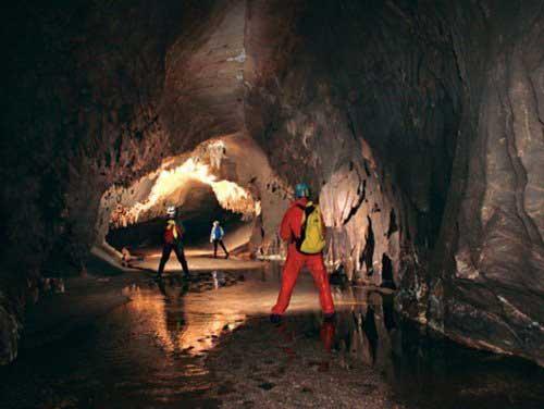 Kết quả hình ảnh cho thám hiểm hang động